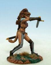 Female Warrior DSM 1174 - Elmore Masterworks - Dark Sword Miniatures Pewter