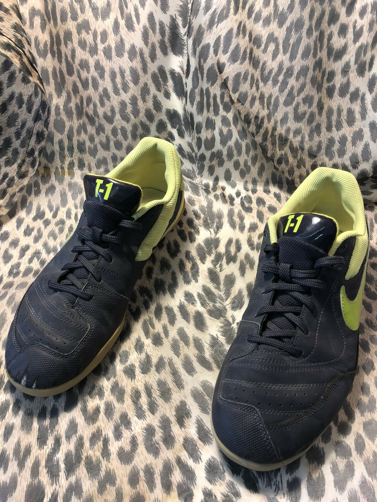 NIKE T-1 INDOOR SOCCER SHOES MENS 8.5 BLACK YELLOW 344919 New shoes for men and women, limited time discount