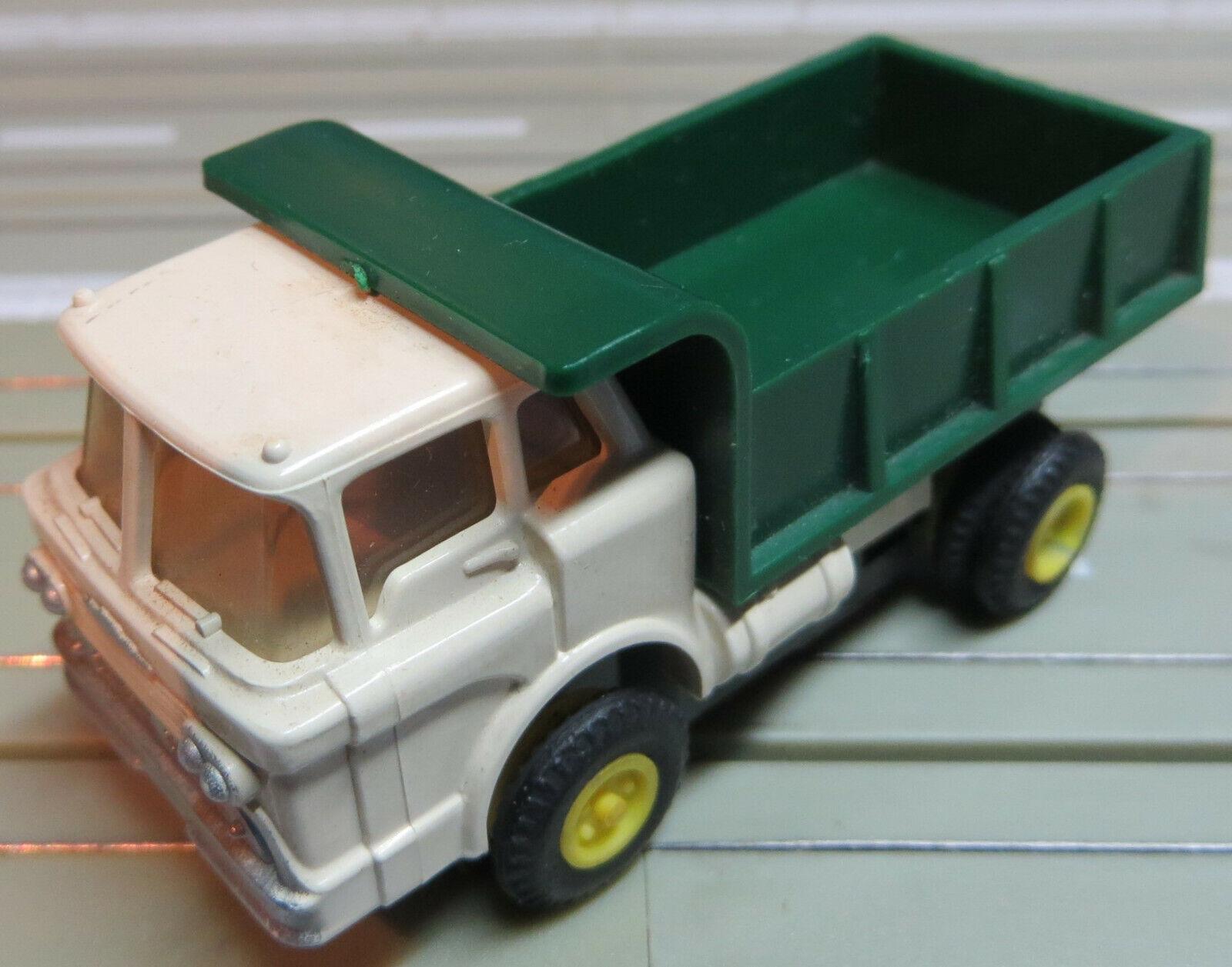 Für H0 SMassecar Racing Modelllbahn -- alter LKW mit T-Jet Motor