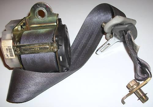 96-00 Honda CiViC Coupe OEM F code Light grey REAR SEAT BELT BUCKLE RETRACTOR