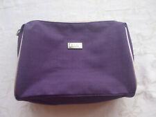 Kleiner Kulturbeutel Toilettentasche Schminktasche in lila von Esprit, 21x16x6cm