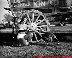Image Is Loading Thanksgiving Pin Up Girl And Wagon 1940s Historic