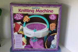 INNOVATIONS KNITTING MACHINE Full Size NEW OPEN BOX | eBay