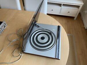 Bang-amp-Olufsen-design-TURNTABLE-record-player-Beogram-220-giradischi