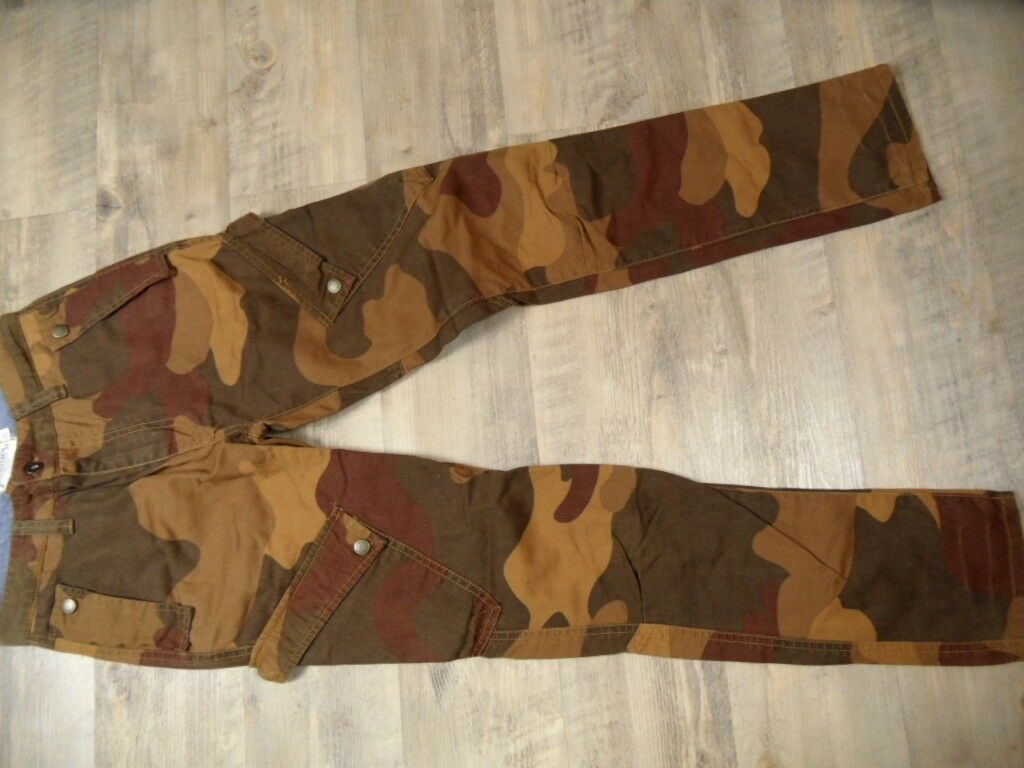 JOHNNIE B Boden England coole Camouflage Cargopants brown Gr. 28 reg. TOP ST118