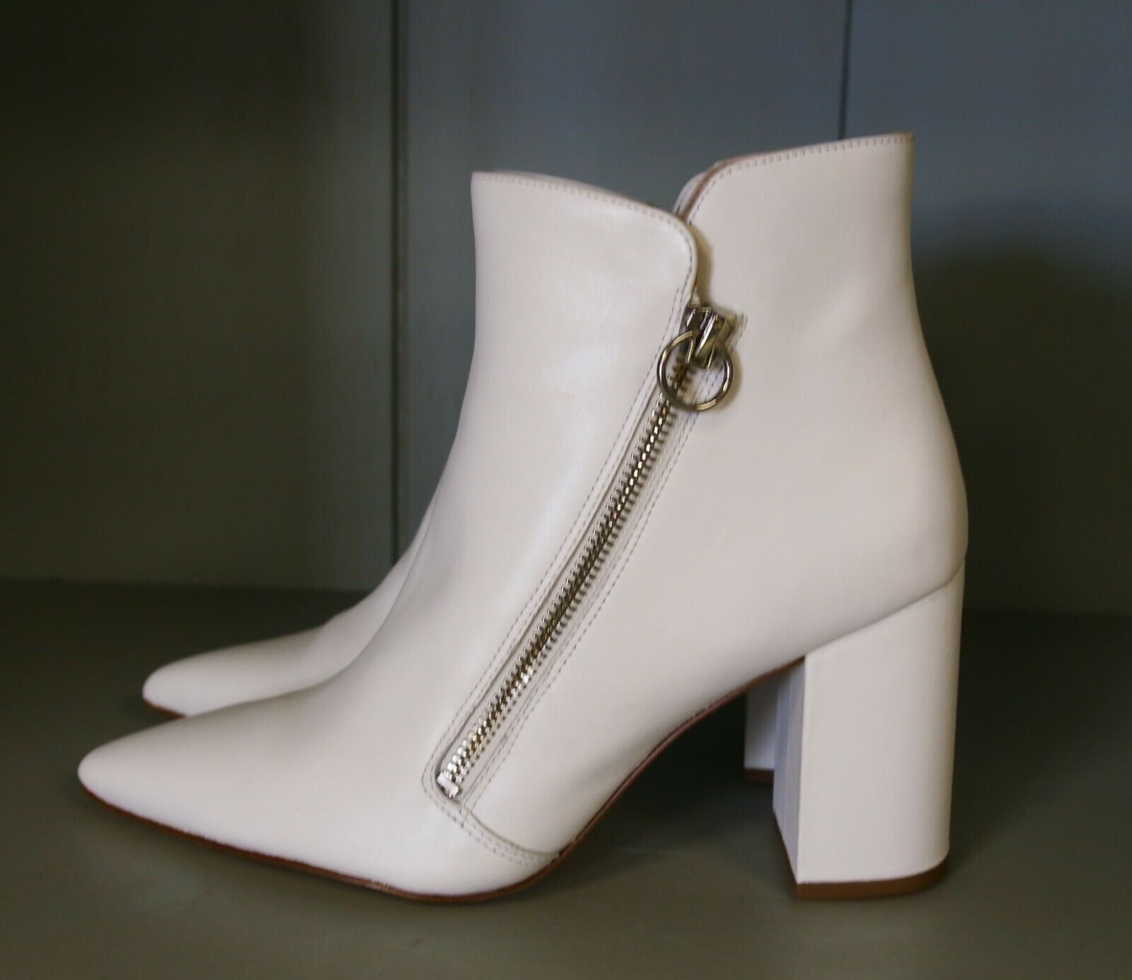 A5406 New Women's Nine West Russity White Leather Ankle Booties 8 M