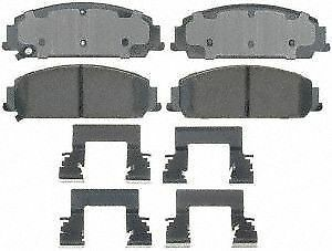 ACDelco 17D824CH Professional Ceramic Front Disc Brake Pad Set