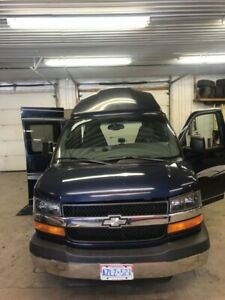 2004 Chevy Express 2500 with new wheelchair lift