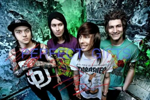 PIERCE THE VEIL X4 MIKE VIC FUENTES SIGNED 10X8 REPRO PHOTO
