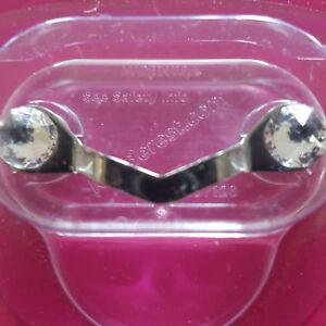 READEREST-Magnetic-Eye-Glass-Holder-Swarovski-Crystal-Shark-Tank-Sunglass-Blouse