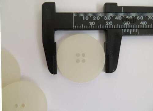 20 piezas Calidad 4 Agujero Botones Planos Ivory Crema opaca de color mármol 28 mm 44 L