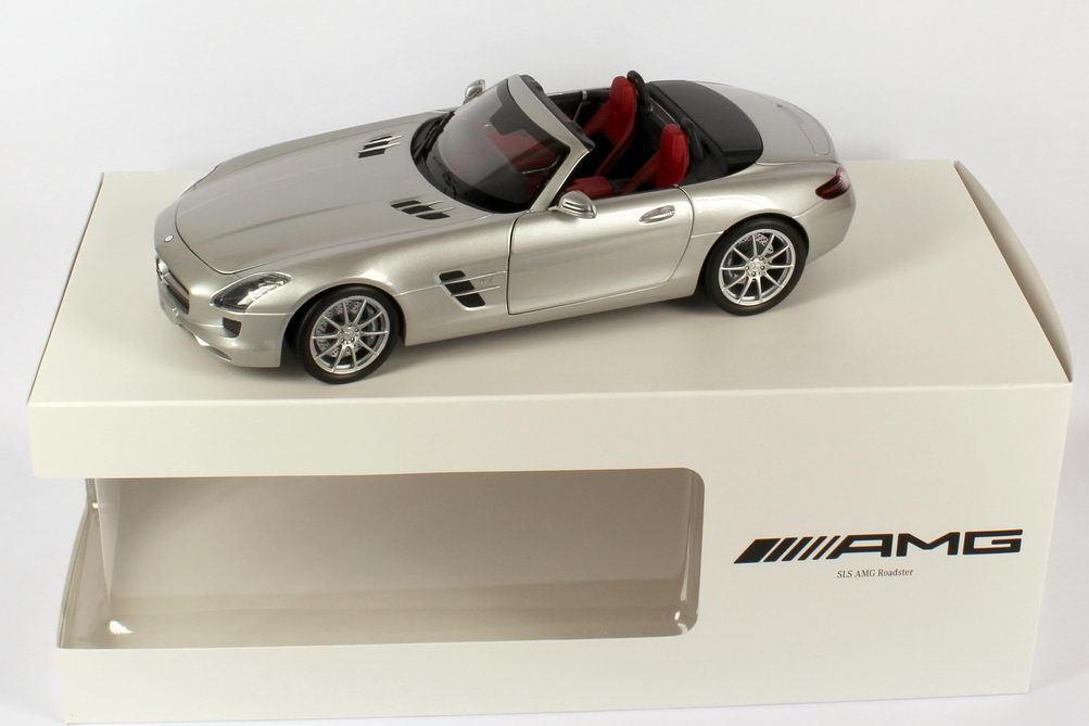 Minichamps Mercedes Benz SLS AMG Roadster Silber 1 18 Händler Edition Selten