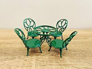 Sylvanian-Families-Green-Ornate-Garden-Table-amp-Chairs-Furniture-Set