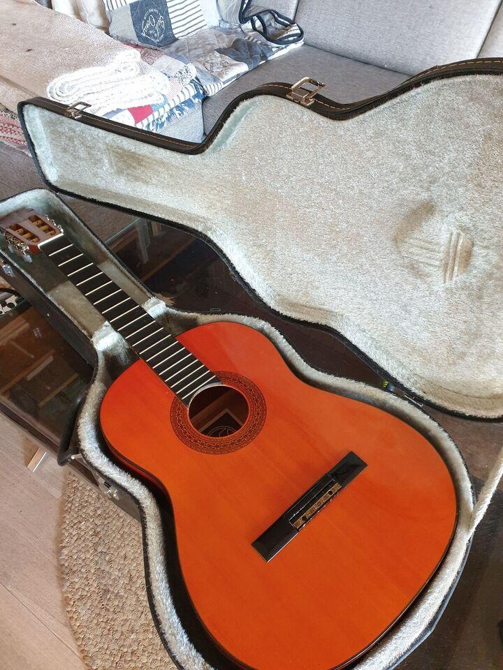Klassisk guitar, Hondo H310A