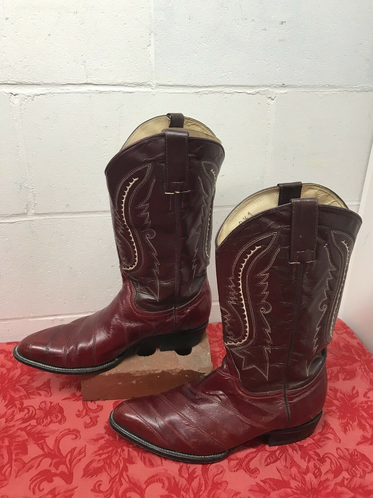 Men's  Burgundy Red Leather Cowboy Boots Western Boots Stitched Decor 9.5 Mexico