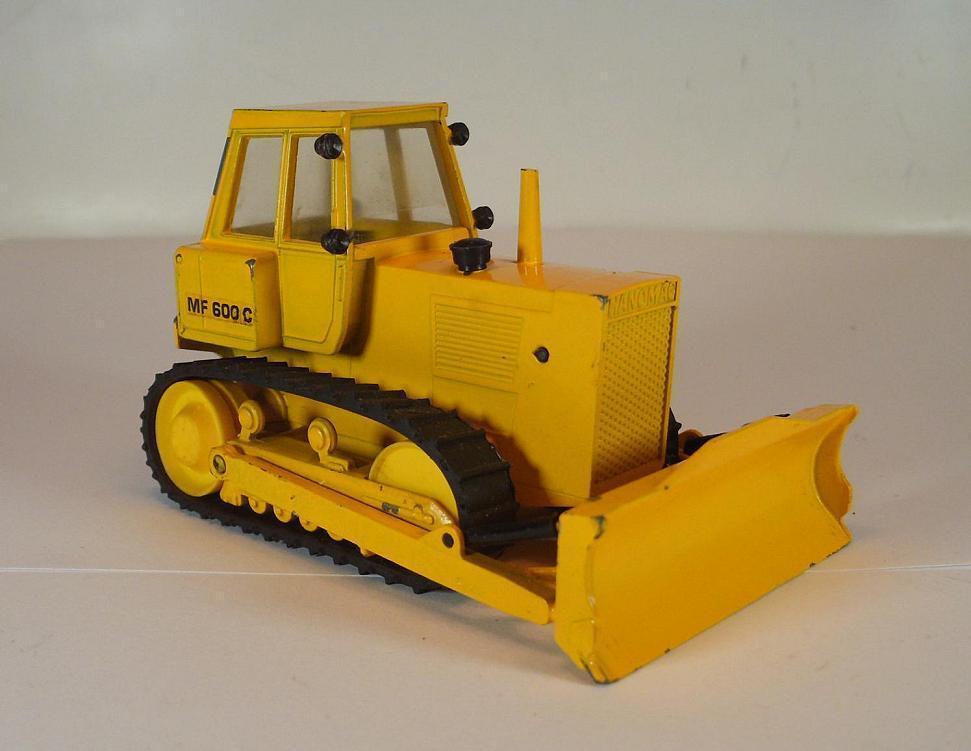 Cursor 1 50 Crawler MF 600 C