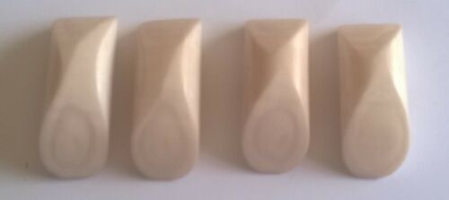 32mm x 10mm x 4 Large Off White Toggle Buttons F2070