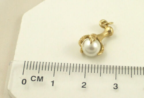 Solid 9ct 375 Yellow Gold Eagle Talons /& Simulated Pearl Pendant Only