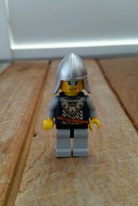 Lego-Castle-Knight-with-Helmet-Mini-Figure-NEW-without-Tags-or-Box