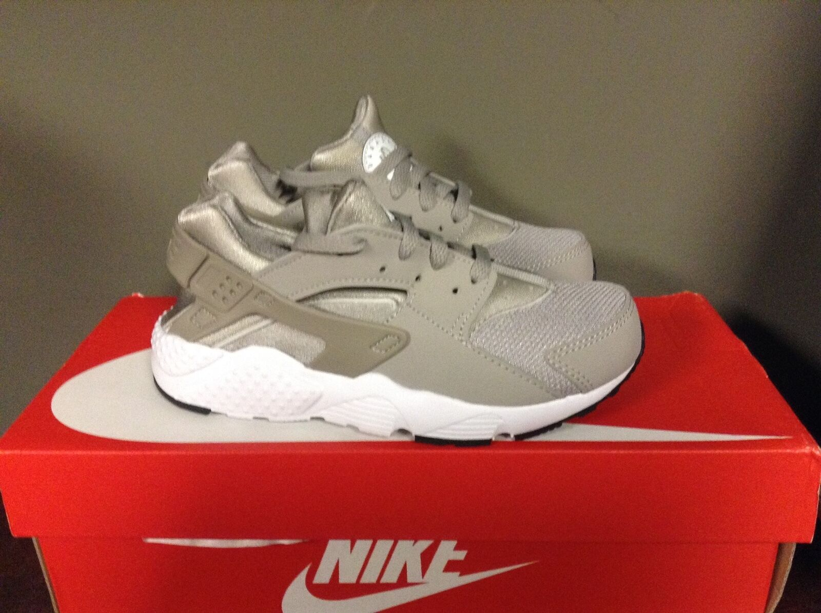 NIKE HUARACHE RUN Price reduction SHOE COBBLESTONE/COBBLESTONE-WHITE-BLACK 654275-029 The latest discount shoes for men and women