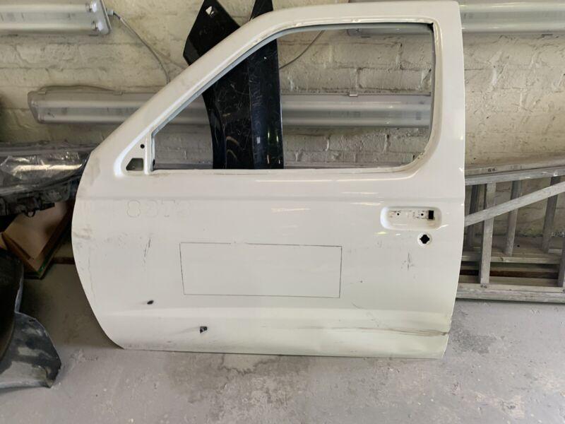 Secondhand nissan single cab np300 left front door