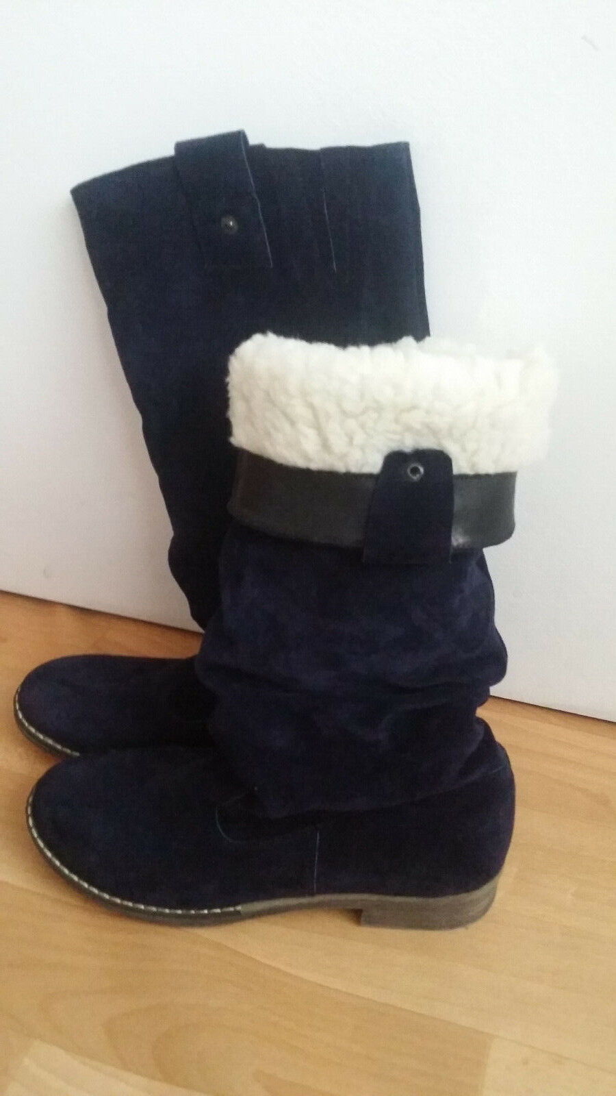 Womens girls  long boots size Uk 38 suede   size 5