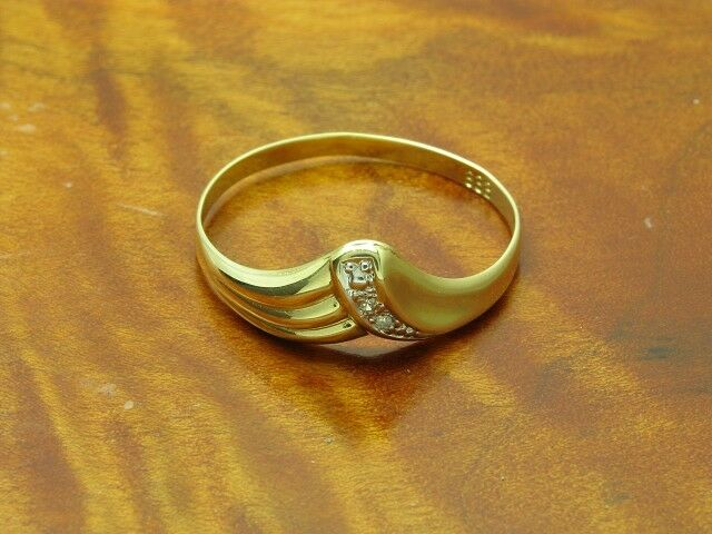 8kt 333 yellowgold Ring mit Diamant Besatz   0,6g   RG 60,5
