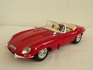 Burago-Jaguar-E-Cabriolet-1961-1-18-escala-Diecast-Modelo-de-Coche-en-Caja