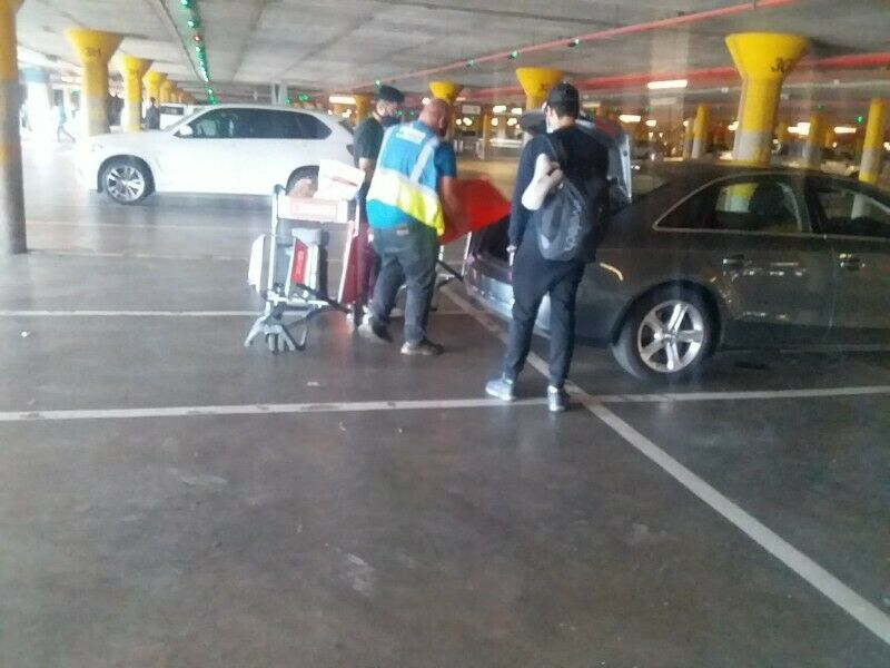 WE PARK CARS VALET SERVICES OR TAMBO AIRPORT