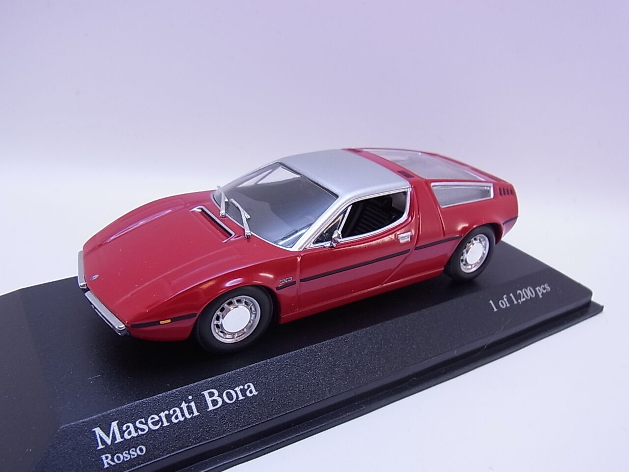 Lot 26205   MINICHAMPS 400123404 Maserati Bora 1972 Voiture Miniature 1 43 neuf dans sa boîte