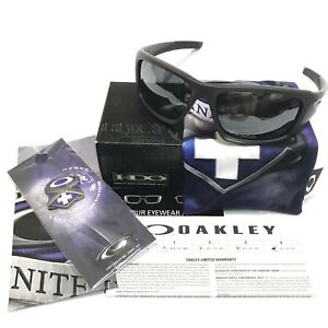 Oakley-Sunglasses-Valve-9236-21-Infinite-Hero-Matte-Carbon-Camo-Black-Iridium