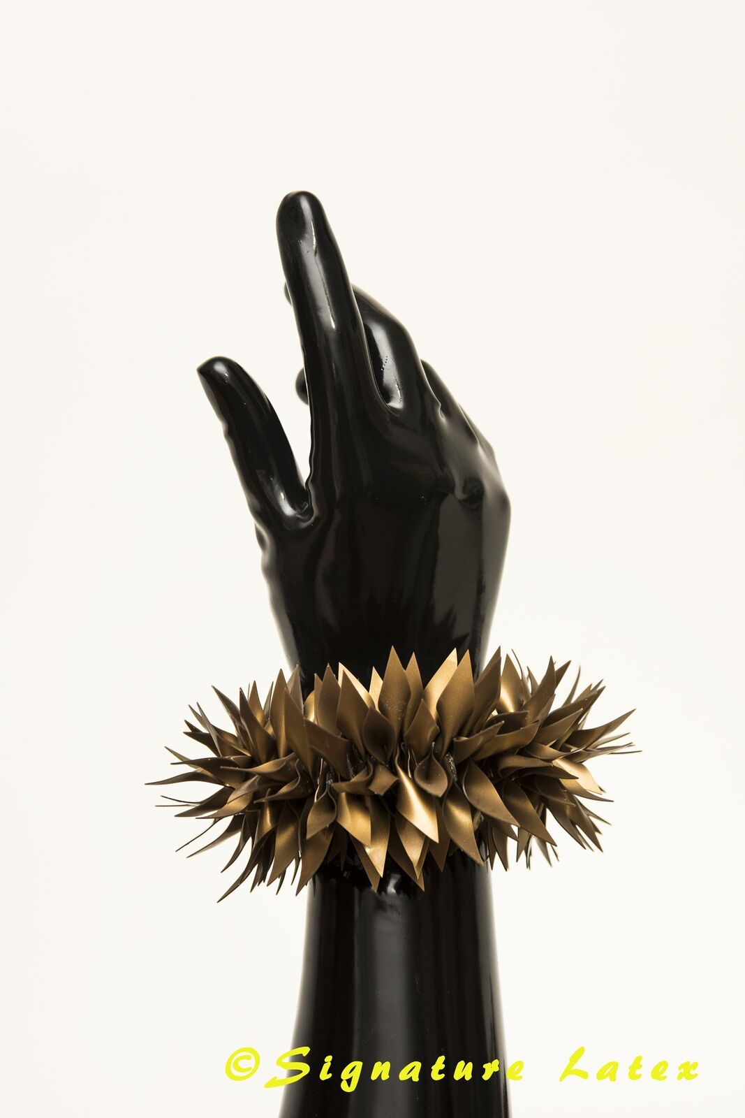 Latex Rubber Mini Spiky  in 4D old gold