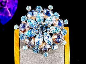 LOVELY-VINTAGE-SILVER-TONE-MOLDED-LEAF-BLUE-IRIDESCENT-GLASS-RHINESTONE-BROOCH