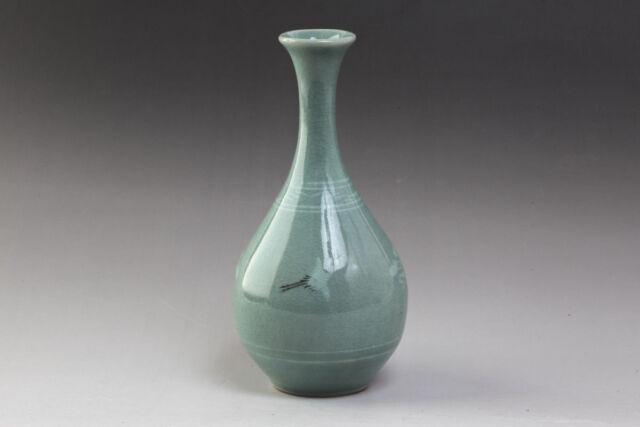 Korean Celadon Porcelain Seiji Small Flower Vase Crane Art Signed