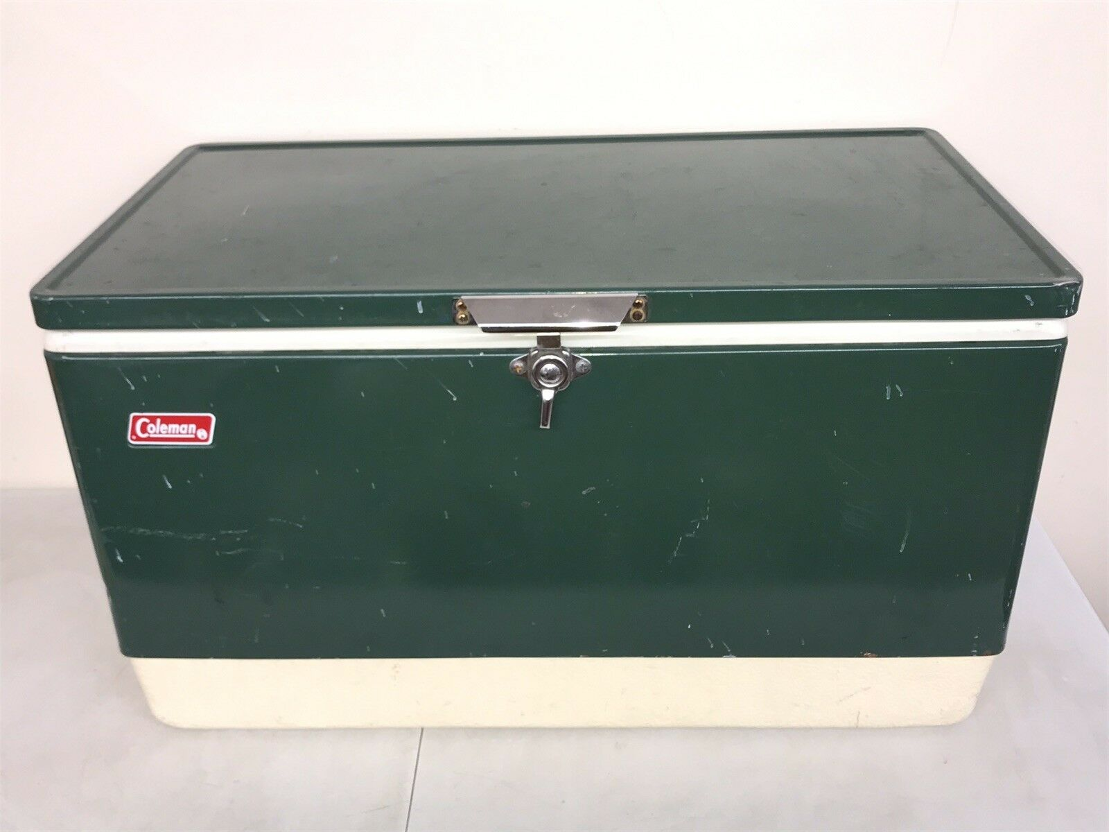 """Vintage 1975 Coleman GREEN Steel Cooler Ice Chest 28""""x15""""x16"""" Large 1970s"""