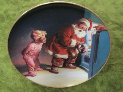 #DD7. COCACOLA CHRISTMAS PLATE CAUGHT IN THE ACT