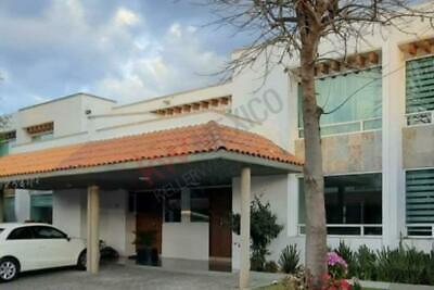 Casa en renta en Bosque de Encinos con fácil salida a CDMX