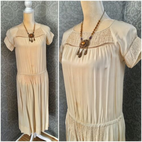 1920s Beige Silk Day Dress, Nice Details, Med - La