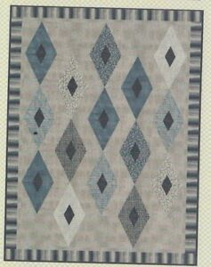 Crystalized-simple-pieced-quilt-PATTERN-Aunt-Em-039-s-Quilts