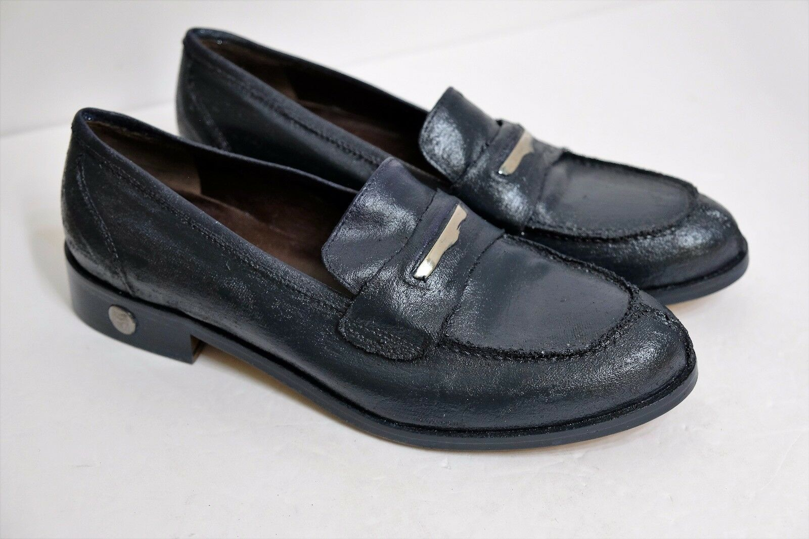 VGUC Bruno Magli Women's Size US 5.5 Textured Dark Blue Grey Penny Loafers