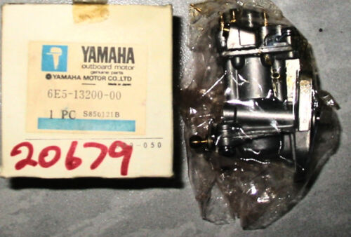 NOS OEM YAMAHA OUTBOARD OIL PUMP 6E5-13200-00 SS TO 6E5-13200-01-00