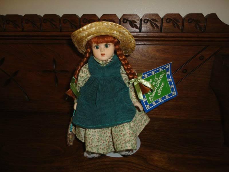 Anne of Grün Gables Store PEI Canada Porcelain Doll 9 Inch