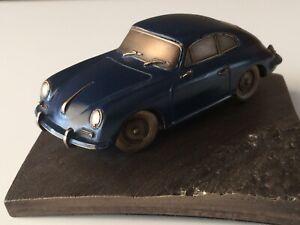 Reproduction En Bronze Porsche 356 B Patine Bleu 1/43 Sur Socle 10x10