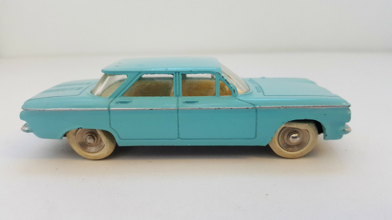 Dinky Toys - 552 - Chevrolet Corvair