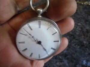 belle-montre-ancienne-a-cle-en-argent