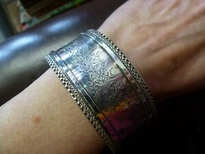 Antique-Hallmarked-Sterling-Silver-1884-1885-Etched-Bangle-Aesthetic-Movement