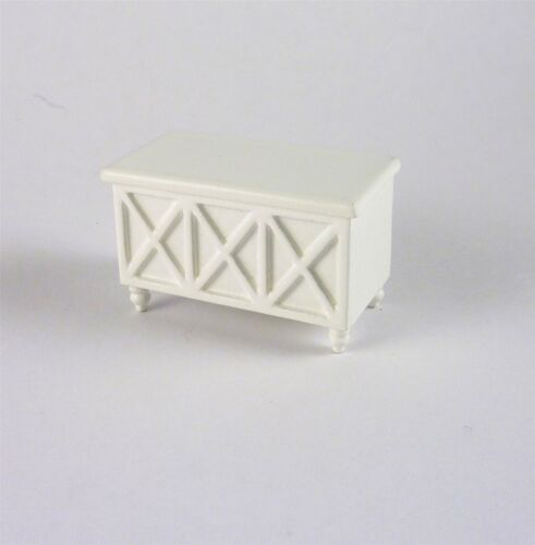 A242.5 Dollhouse Miniature HALF SCALE 1:24 White Toy Box