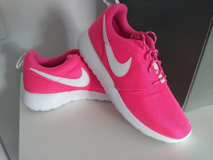 woman girls pink orginal nike trainers shoes brand new with box  Seasonal clearance sale