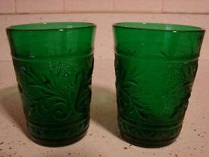 TWO-RARE-FIRE-KING-ANCHOR-HOCKING-FOREST-GREEN-SANDWICH-CRYSTAL-JUICE-GLASS