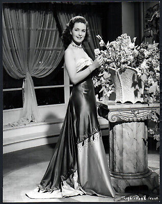 Perfect Woman 1949 Patricia Roc Glamour Flowers Portrait 48 Ebay